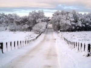 Snow_Covered_Minor_Road_Near_East_Kilbride_-_geograph.org.uk_-_1640462