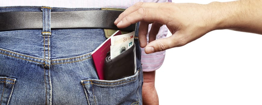 How to avoid becoming a pickpocket victim
